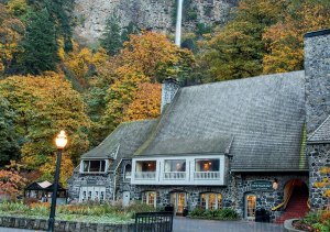 1_multnomah_falls_lodge